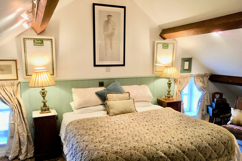 Seamus Heaney guest bedroom | Laurel Villa 4 star Guest House where Irish Poetry features in the carefully chosen decor and facilities throughout